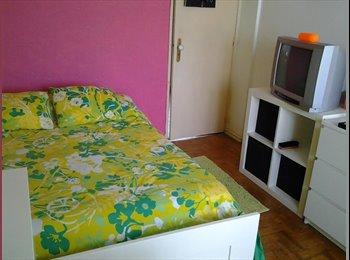 EasyQuarto PT - Alugo apartamento ou quartos - Loures, Lisboa - €200