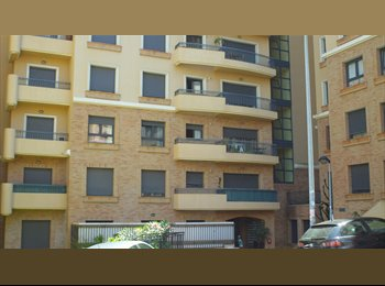 EasyQuarto PT - Quarto em zona nobre - Room in Prime location - Loures, Lisboa - €250