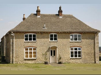 EasyRoommate UK - detached stone farmhouse great views + all mod cons 5 mins from Kettering - Great Oakley, East Northamptonshire and Corby - £445