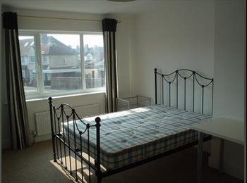 EasyRoommate UK - Fantastic Houseshare in Taunton Town Centre!!! - Taunton, South Somerset - £370