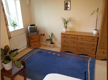 EasyRoommate UK - VERY LARGE ROOM AVAILABLE IN MODERN FLAT IN PBORO - Old Fletton, Peterborough - £390