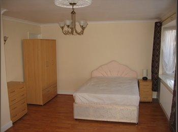 EasyRoommate UK - Beautiful Rooms with Free Wireless Broadband Near Pitsea Station - Basildon, Basildon - £390