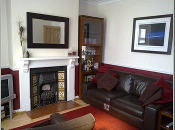 EasyRoommate UK - Double room to rent in house (Tettenhall, W-ton) - Tettenhall, Wolverhampton - £400