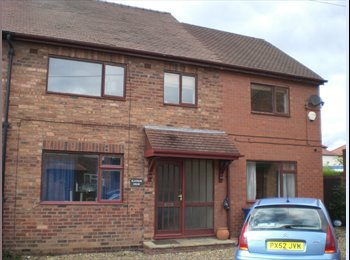 EasyRoommate UK - Large Double Room in modern house Hoole - Hoole, Chester - £290