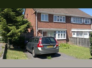 EasyRoommate UK - Dbl  Room Bills Incuded. 5 Mins Bournville College - Rubery, Birmingham - £433