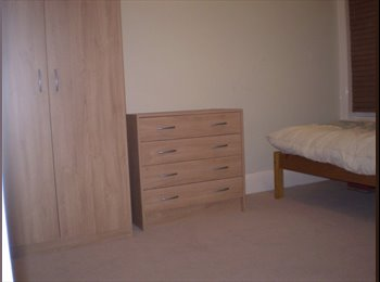EasyRoommate UK - Room to rent in Fratton near the train station - Fratton, Portsmouth - £340