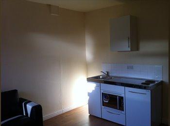 EasyRoommate UK - Studio Apartment - West Heath, Birmingham - £450