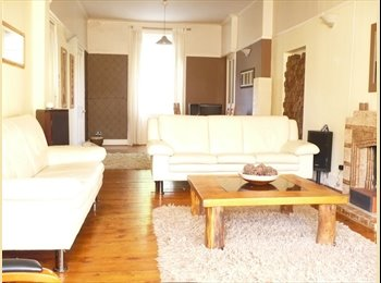 EasyRoommate UK - Large Townhouse in the Tollcorss area on the East side of Glasgow - Tollcross, Glasgow - £300