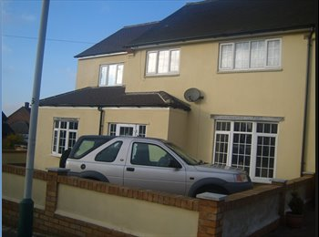 EasyRoommate UK - Harold Hill, Romford -  Double room & single room - Harold Hill, London - £450