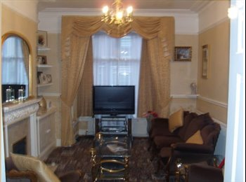 EasyRoommate UK - Room to let friendly household - Crosby, Scunthorpe - £320