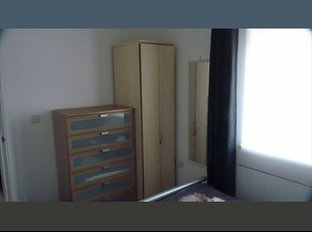 EasyRoommate UK - St Albans double room in new flat near station - St. Albans, St Albans - £550