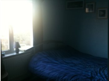 EasyRoommate UK - Furnished double room in Coventry available - Foleshill, Coventry - £350