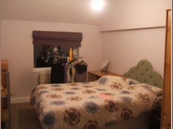 EasyRoommate UK - Double room for rent in Burton on Trent - Stretton, Burton-on-Trent - £350