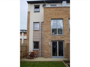 EasyRoommate UK - Modern new home in popular waterside location - Poole, Poole - £400