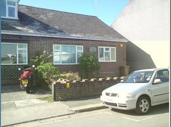 EasyRoommate UK - Double room to rent in Plymouth  - Devonport, Plymouth - £400