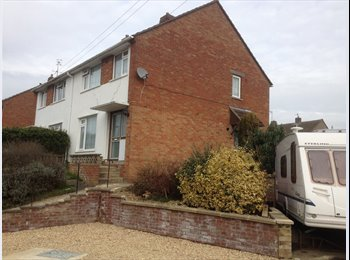 EasyRoommate UK - Nice furnished double room with single bed - Stroud, Stroud - £390