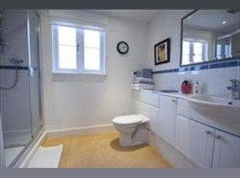 EasyRoommate UK - Double room to let in Kings Hill, West Malling - Maidstone, Maidstone - £650