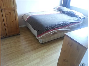 EasyRoommate UK - Great Double Room In A 4Bed Quite & Modern House - Wordsley, Dudley - £390