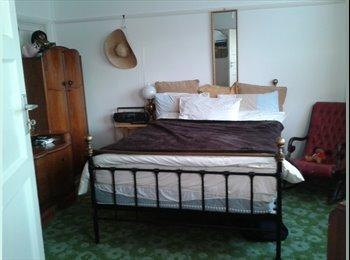 EasyRoommate UK - 2 double rooms in friendly house share - Ruislip, London - £600