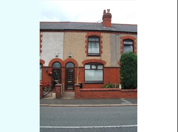 EasyRoommate UK - Double room in terraced house Walkden to share - Walkden, Salford - £350