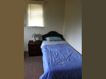 EasyRoommate UK - Room in Semi !  Nice area ! - Acton Trussell, Stafford - £347