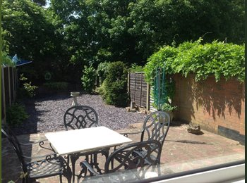 EasyRoommate UK - FIND NEW FRIENDS IN YOUR HOUSESHARE IN A SECURE ENVIRONMENT - Tovil, Maidstone - £595