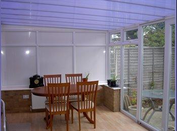 EasyRoommate UK - SOUTH WEST BIRMINGHAM large room - Northfield, Birmingham - £350