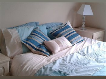 EasyRoommate UK - Double Room in Hainault for Female - Central Line - Hainault, London - £500