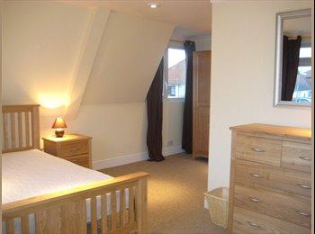 EasyRoommate UK - BEAUTIFUL DOUBLE ROOMS IN BISHOPS STORTFORD - Bishop's Stortford, Bishop's Stortford - £500