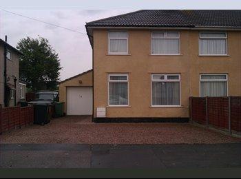 EasyRoommate UK - Very Large Single Room - Stoke Gifford, Bristol - £300