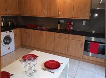 EasyRoommate UK - **NEW** - Great Double Rooms in Bretton, P'Boro - Peterborough, Peterborough - £400