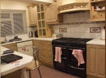 EasyRoommate UK - 4 bedroom house to share - Wivenhoe, Colchester - £400
