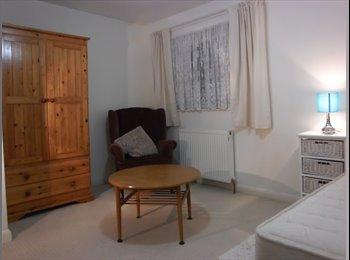 EasyRoommate UK - Large spacious single room available - Ashford, Ashford - £325