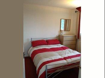 EasyRoommate UK - double room in 3 bed detached house in sandbach - Sandbach, Sandbach - £375