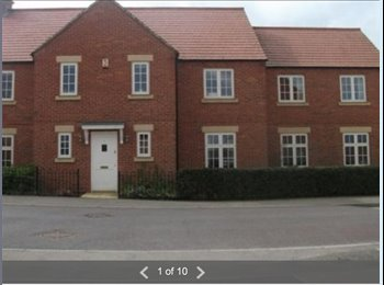 EasyRoommate UK - Available now - large ensuite double - Great Cransley, Kettering - £400