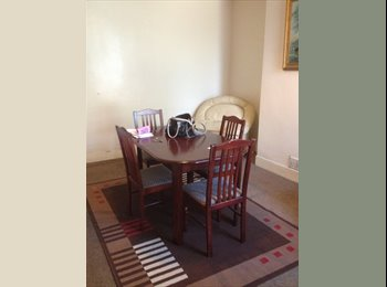 EasyRoommate UK - Room in Shared House - Salisbury, Salisbury - £550
