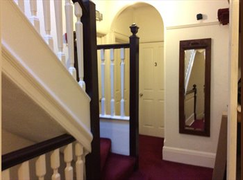EasyRoommate UK - Spacious and bright double furnished room - Hampton, London - £650