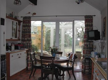 EasyRoommate UK - Double Room - Friendly House - Semi-Rural Location - Saughall, Chester - £400