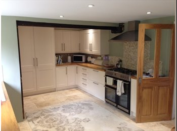 EasyRoommate UK - Cottage - Single Room to rent - Horsham, Horsham - £450