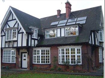 EasyRoommate UK - Prestigious town centre address near hospital & town centre - Scunthorpe, Scunthorpe - £390