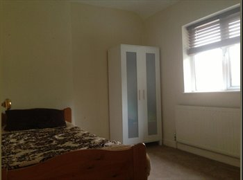 EasyRoommate UK - Large size room in Goodmayes for rent £500pm - Barking and Dagenham, London - £500