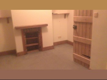 EasyRoommate UK - double room for rent - Coalville, N.W. Leics and Chamwood - £275