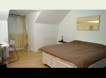 EasyRoommate UK - Large En-Suite Bedroom available near Rolls-Royce - Alvaston, Derby - £395