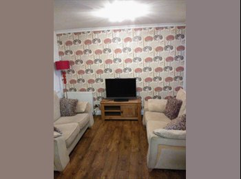 EasyRoommate UK - Double rooms in large house - Harefield, London - £500