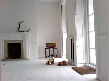 EasyRoommate UK - Victorian flat with sea views in conservation area - Southend-on-Sea, Southend-on-Sea - £550