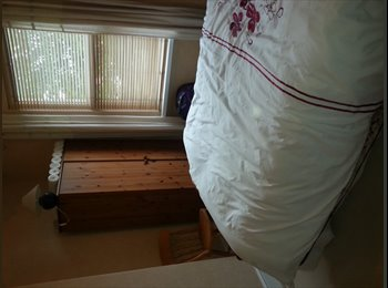 EasyRoommate UK - Mon-Fri Double furnished room available - Fishponds, Bristol - £300