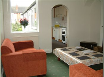 EasyRoommate UK - All inclusive Large Four Double Bedroomed House - Lincoln, Lincoln - £305