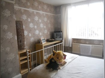 EasyRoommate UK - 2 Rooms to Rent In Family Home - Horfield, Bristol - £450