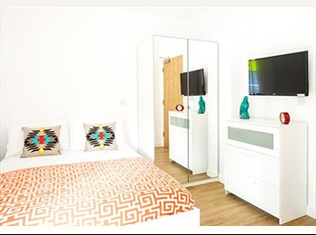 EasyRoommate UK - **Double en-suite Room available from Sept 2015** - Manchester City Centre, Manchester - £542
