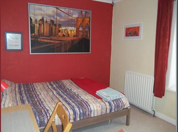 EasyRoommate UK - Double  room for rent - Fratton, Portsmouth - £450